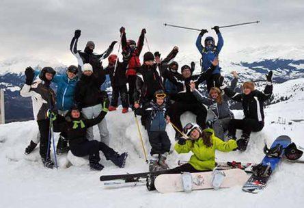 Laax2011_oboz_narciarski