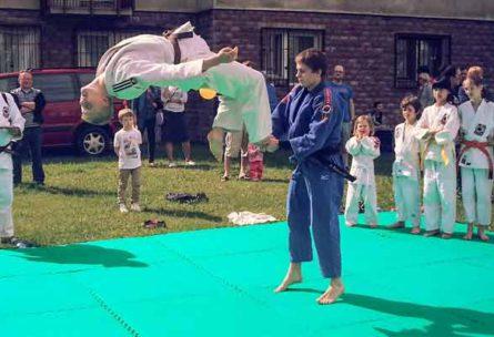 pokaz_judo_na_smyczkowej_
